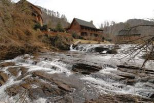 Grannys Creekside Cabin Pigeon Forge TN