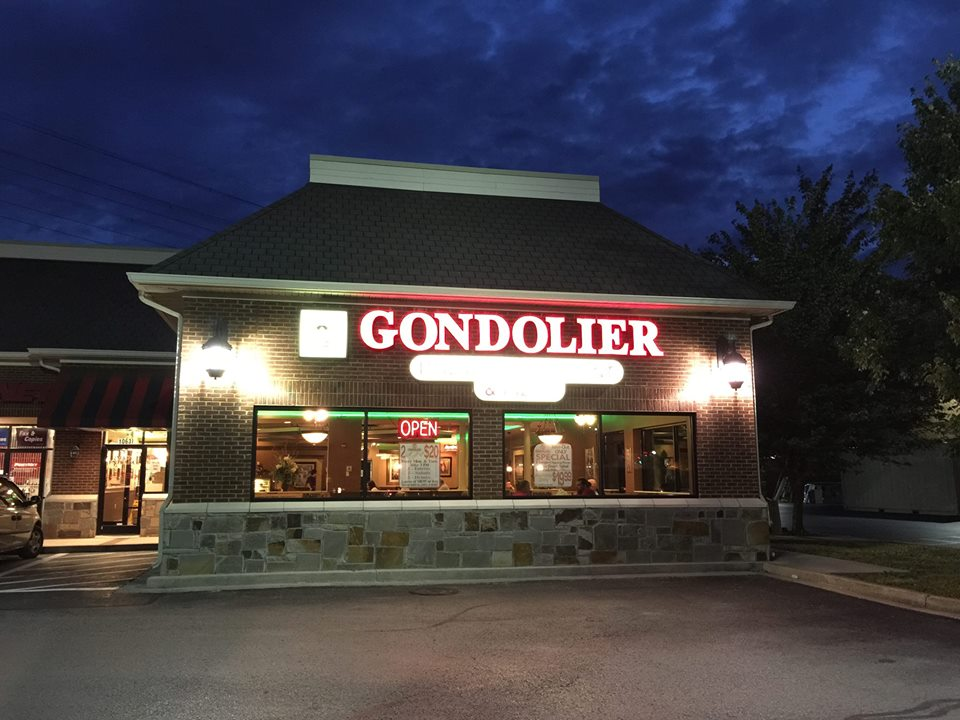 Gondolier Italian Restaurant and Pizza-Cedar Bluff Knoxville TN at night